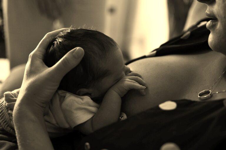 Nejčastější potíže při kojení ze strany dítěte
